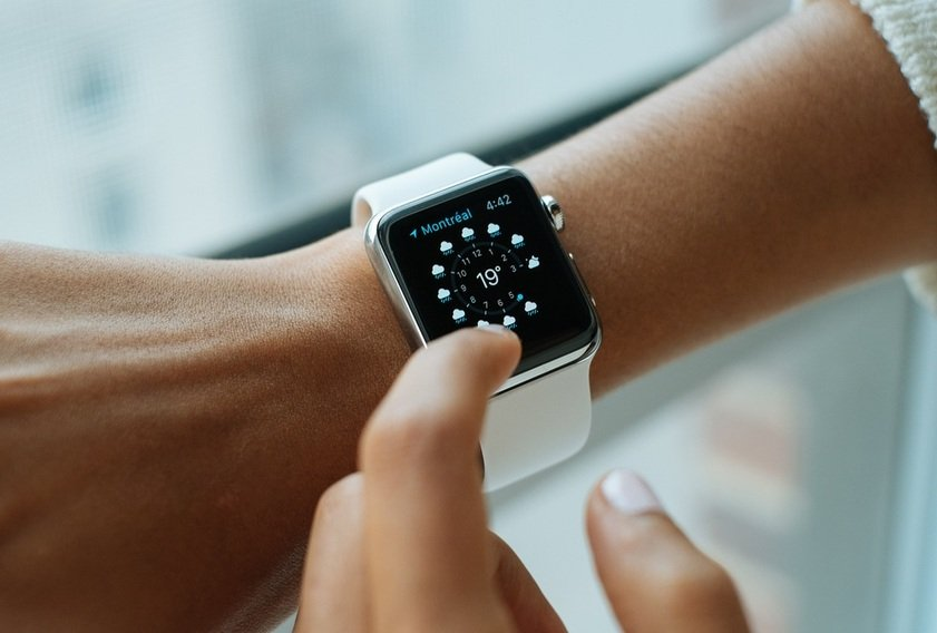 Smartwatches 2017: Top 10 Best Android Smartwatches under Rs.2000/-