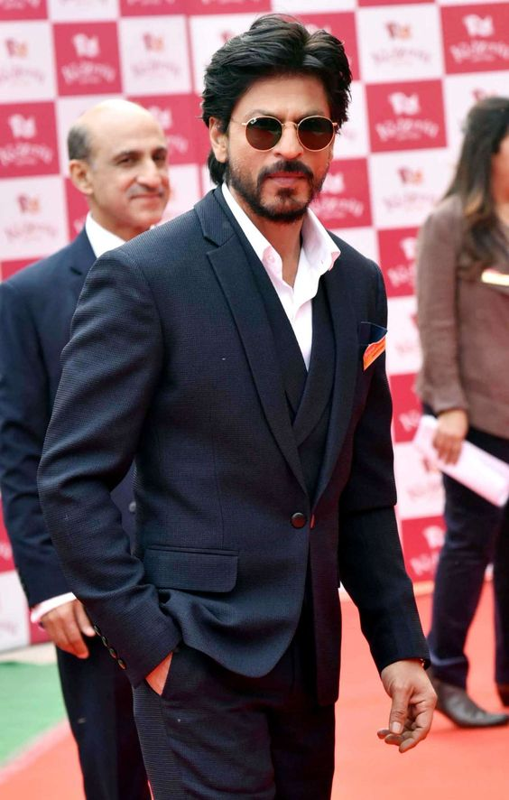 Shah Rukh Khan in Naturally Full Fledged Look