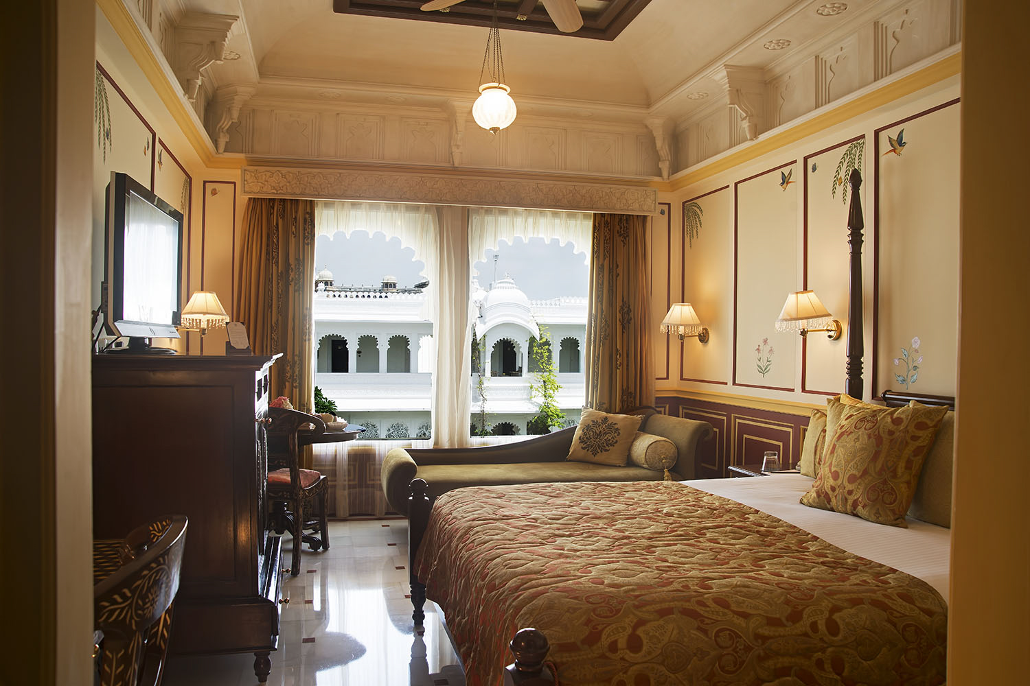 Best hotel booking offers in Udaipur