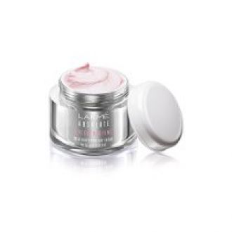 Buy Lakme Perfect Radiance Fairness Day Crème, 50g from Amazon