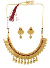 Buy Jewellery Set from Myntra