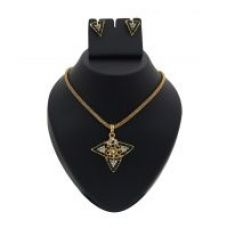 Flat 68% off on 14Fashions Gorgeous Design Green Pendant Sets  -  1200302