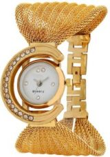Flat 82% off on TRUE COLORS ZULLA STAYLE Queen 2020 Analog Watch  - For Girls