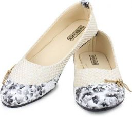 Flat 49% off on Moonwalk Cute bellies