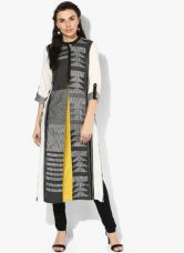 Flat 40% off on W Black Printed Cotton Viscose Kurta