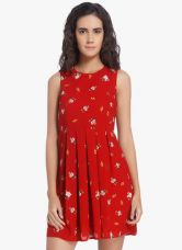 Flat 50% off on Vero Moda Red Coloured Printed Shift Dress