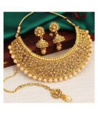 Flat 91% off on Sukkhi Alloy Golden Traditional 18kt Gold Plated Necklaces Set