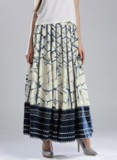 Flat 65% off on W Off-White & Navy Printed Maxi Flared Skirt