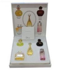 Miniature Dior 5 in 1 Perfume Set for Rs. 1999