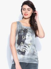 Vero Moda Grey Melange Printed Top for Rs. 987